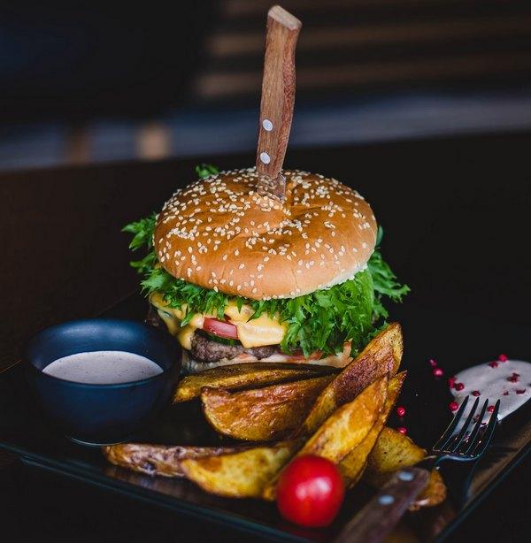 Best Spatulas for Making Smash Burgers