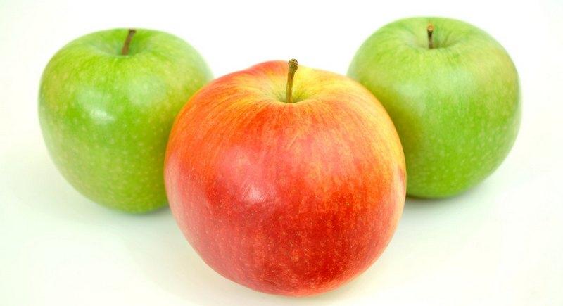 Green Vs Red Apples